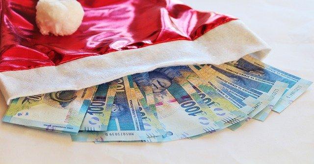 bankovky v čepici