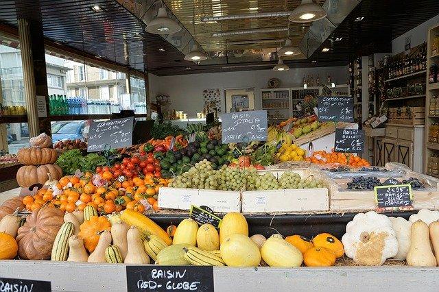 zelenina a ovoce na trhu