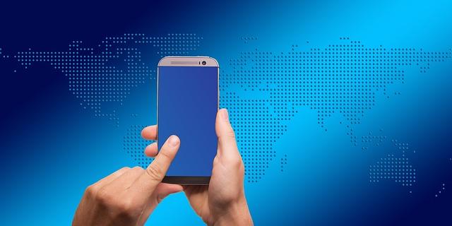 modrý displej mobilu