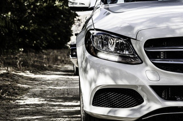 světlo Mercedesu