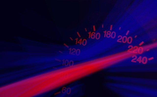rychlost na tachometru
