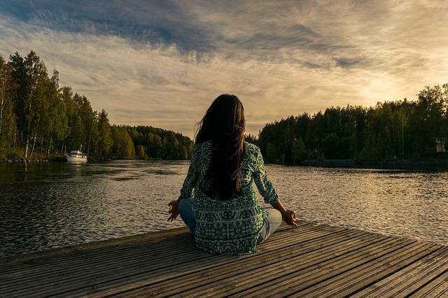 meditace u jezera