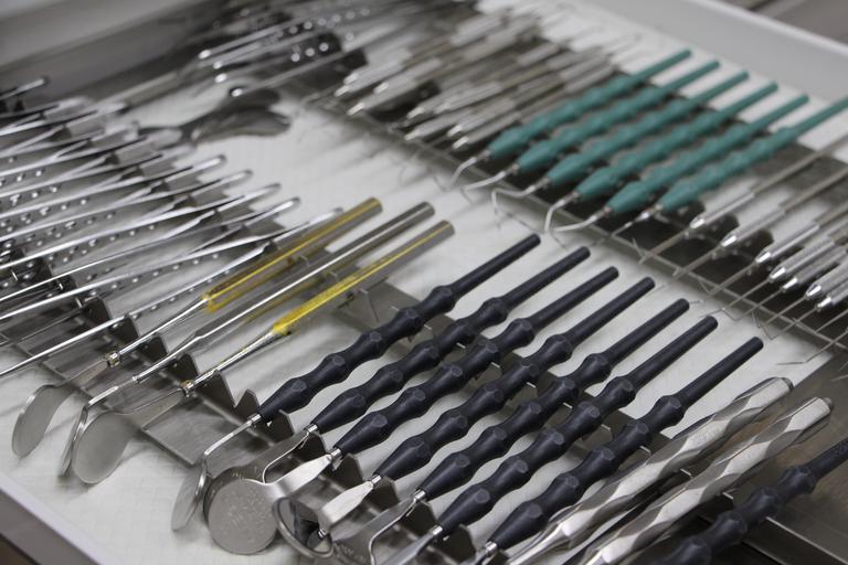 zubní nástroje