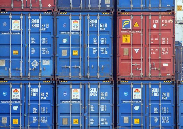 kontejnerová přeprava na lodi