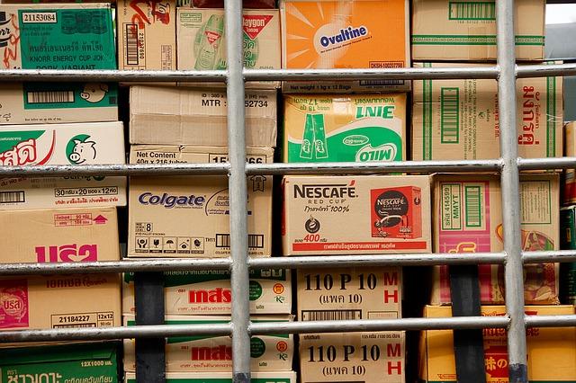 krabice různých výrobků